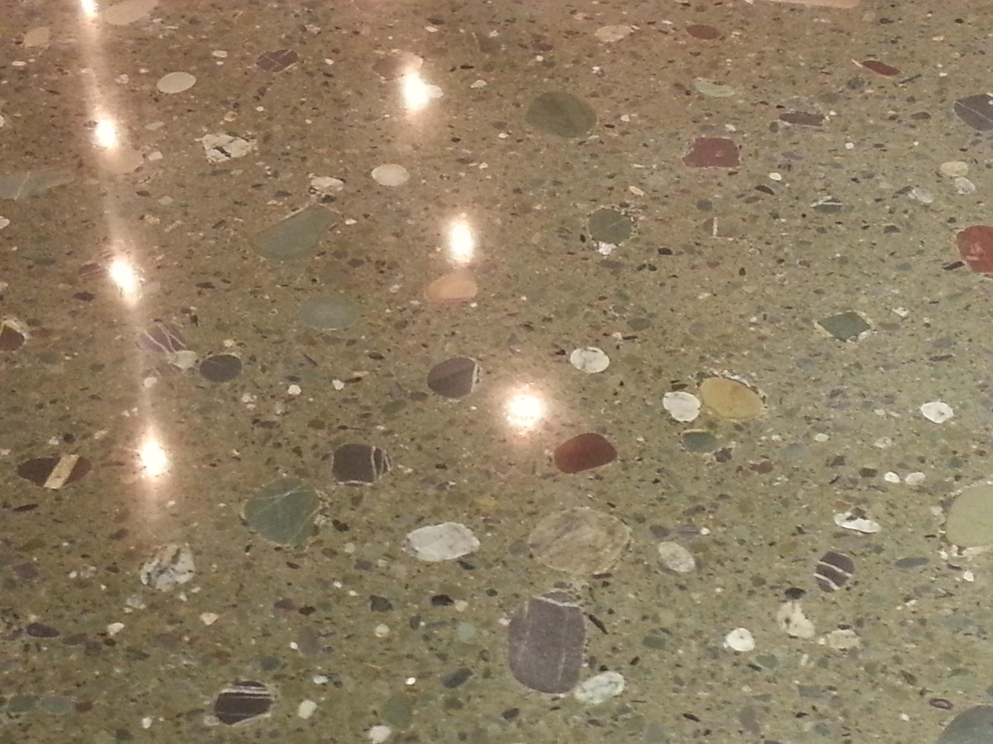 Polished concrete - Beach stone